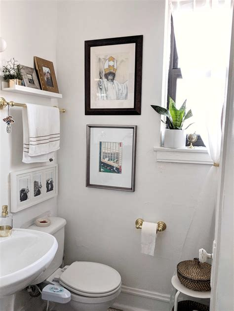 Decorating Ideas For Small Bathrooms With Pictures by Small Bathroom Design Storage Ideas Apartment Therapy