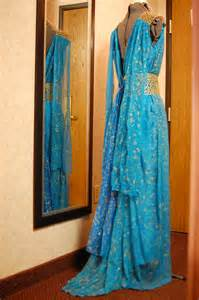 khaleesi costume tavariel design daenerys targaryen blue and gold dress
