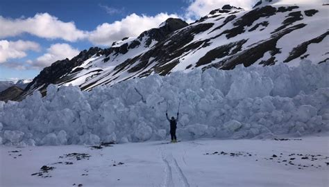 Photos capture aftermath of avalanche 'large enough to ...