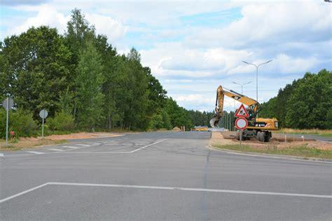 Turpinās ielu pārbūve Valmierā