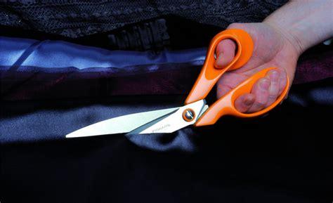 cuisiner la ratte l 39 histoire des ciseaux fiskars aux anneaux orange