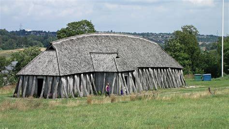File:Fyrkat - langhus.jpg - Wikimedia Commons