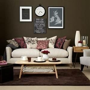 Rosa Deko Wohnzimmer : wohnzimmer braun wei sofa deko kissen rosa rot farbe deko einrichtung wohnzimmer ~ Frokenaadalensverden.com Haus und Dekorationen