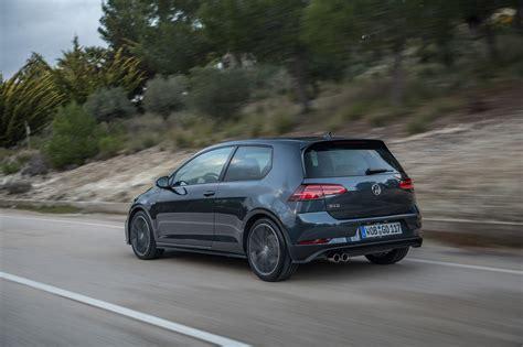 Volkswagen Golf 7 Gti & Gtd (2017) First Drive Carscoza