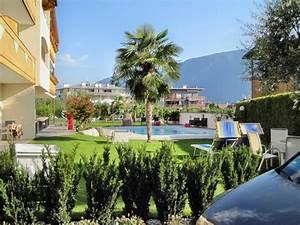 Gartenanlage Mit Pool : gartenanlage mit pool und liegewiese hotel mehrhauser in nalles nals holidaycheck ~ Sanjose-hotels-ca.com Haus und Dekorationen