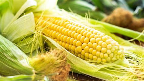 cuisiner des epis de mais enlever facilement les cheveux des épis de maïs