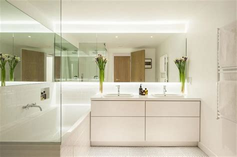 ideen badezimmergestaltung small bathroom 5 tips to make it look larger usluga