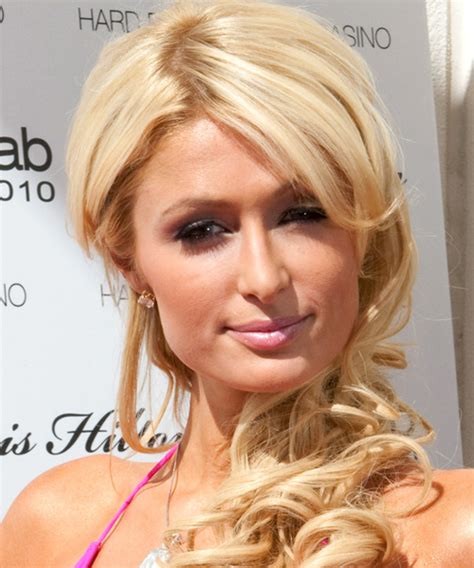 paris hilton long wavy light bright blonde hairstyle