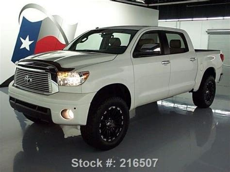 sell   toyota tundra limited crewmax  nav