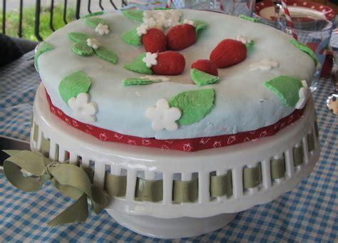 decoration gateau anniversaire pate amande les fraises de la f 234 te des m 232 res