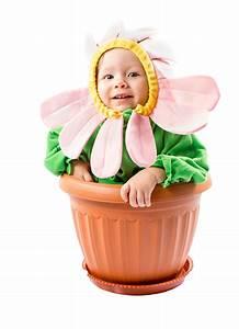 Gemalte Bilder Von Kindern : bilder s ugling lustige kinder blumentopf kreativ kamillen wei er ~ Markanthonyermac.com Haus und Dekorationen