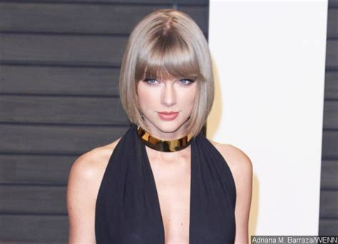 taylor swift fan mail address real life santa taylor swift buys a house for a homeless