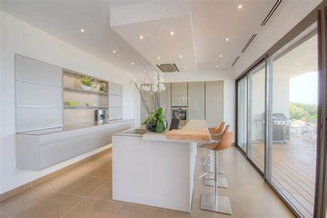 cuisine villa cuisine luxe moderne design leicht maison de prestige