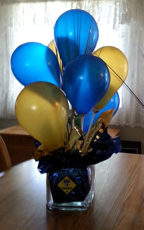 cub scout blue  gold balloon centerpiece