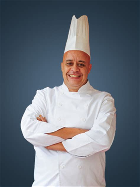chef cuisiner darmoha restaurant