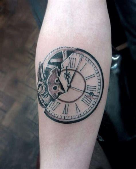 tatouage horloge homme zoom sur  des meilleurs modeles