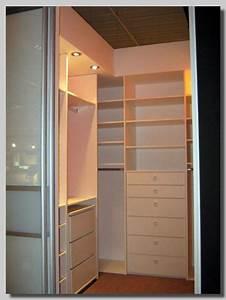 Schlafzimmer Begehbarer Kleiderschrank : begehbarer kleiderschrank im schlafzimmer integrieren neuesten design ~ Sanjose-hotels-ca.com Haus und Dekorationen