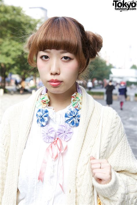 Japanese Hairstyles Buns by Japanese S Bun Hairstyle Knit Sweater