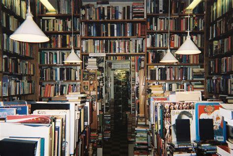 Mở cửa hàng kinh doanh sách cũ cần chuẩn bị gì?