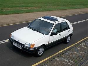 Ford Fiesta 4 : ford fiesta 3 doors specs photos 1989 1990 1991 1992 1993 1994 autoevolution ~ Medecine-chirurgie-esthetiques.com Avis de Voitures