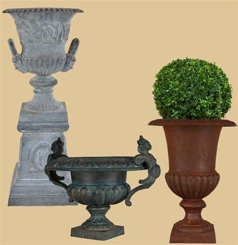 Gartendeko Nostalgie by Nostalgische Gartendekoration Aus Gusseisen Gartenpassion