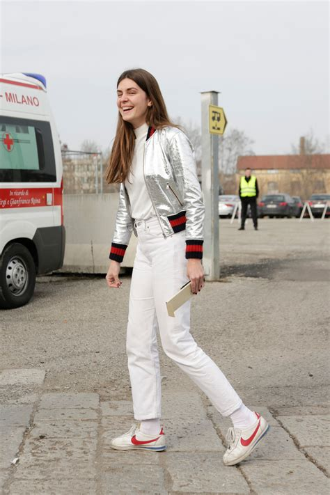 4 Street-Style Outfits That Look Good with Nikes - Savoir Flair