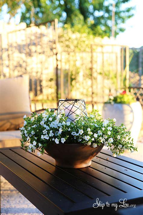 easy outdoor floral centerpiece skip   lou