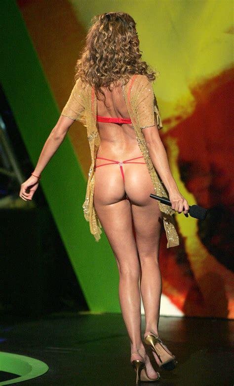 Paulina Rubio Viewing Picture Paulina Rubio