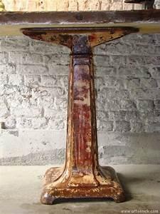 Belle Table Industrielle D U0026 39 Atelier Avec Pied En Fonte Des