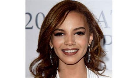 Coming Soon | Latina | Medium hair styles, Leslie grace ...