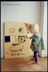 Kinderspielzeug Selber Machen : selber machen activity board endlich ein brett an dem kleinkinder kn pfe dr cken kugeln ~ Orissabook.com Haus und Dekorationen