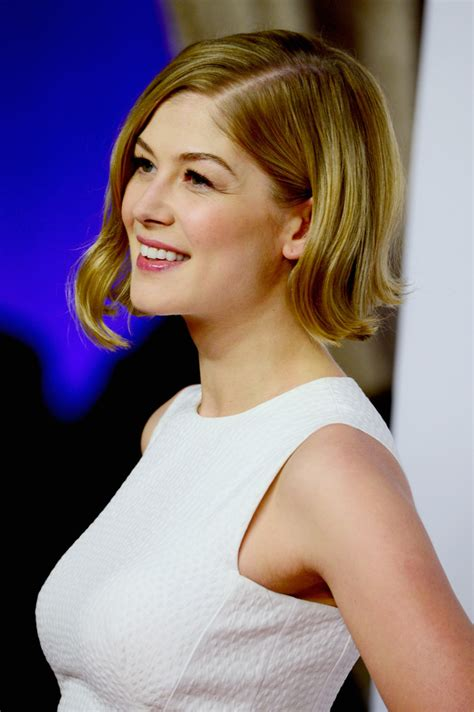 rosamund pike curled  bob short hairstyles lookbook