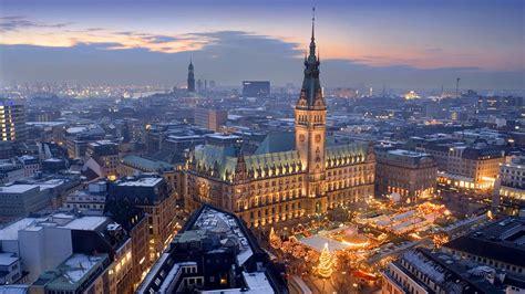 Weihnachtsmarkt Auf Dem Rathausmarkt Hamburg Deutschland Bing Gallery