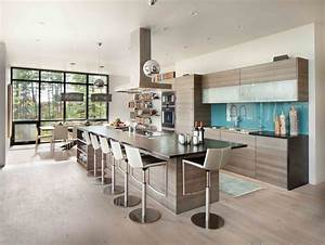 Moderne maison rustique a larchitecture et agencement for Petite cuisine équipée avec meuble buffet salle à manger
