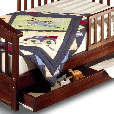 sorelle joel solid pine toddler bed in cherry 776 ch