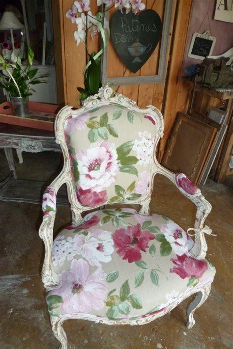 peindre canapé tissu peindre le tissu d un fauteuil 28 images peindre du