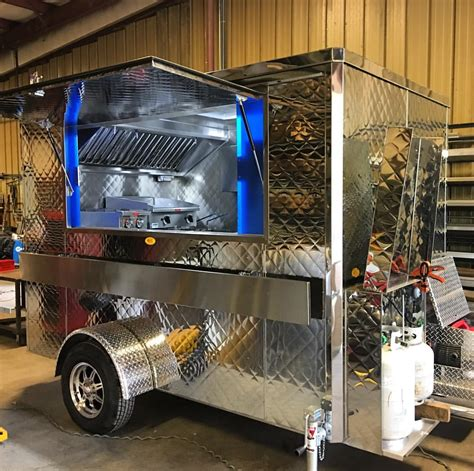 cuisine domicile southern food truck roux takes up residency at the