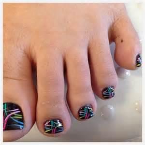 Pretty toe nail art designs
