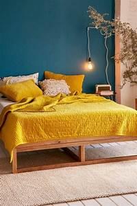 Déco Chambre Bleu Canard : d co salon mur bleu canard chambre jaune moutarde mur ~ Melissatoandfro.com Idées de Décoration