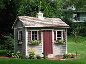 Farbe Für Gartenhaus : gartenhaus kleine fenster ziegeldach idylle im sommer blumen garden inspiration porch decor ~ Watch28wear.com Haus und Dekorationen