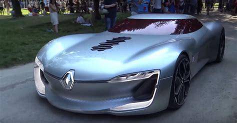 Renault Trezor Drives Through 2017 Villa Deste Is