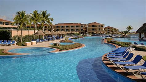 Moon Palace Golf and Spa Resort receive $2000 resort ...