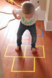Indoor Aktivitäten Kinder : indoor hopscotch kids craft activities for kids toddler fun und diy for kids ~ Eleganceandgraceweddings.com Haus und Dekorationen