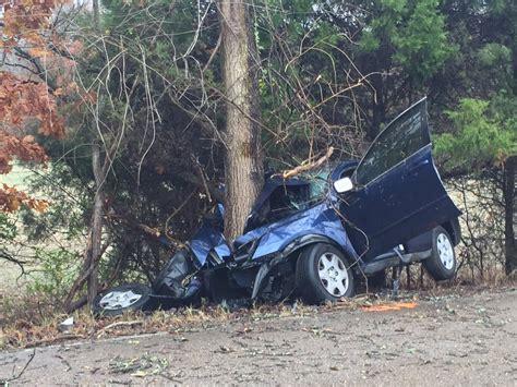 teen  hurt  crashing  tree wregcom