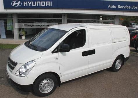 hyundai h1 cargo hyundai h1 cargo 2 5 crdi m wing door 2009 box type delivery photo and specs