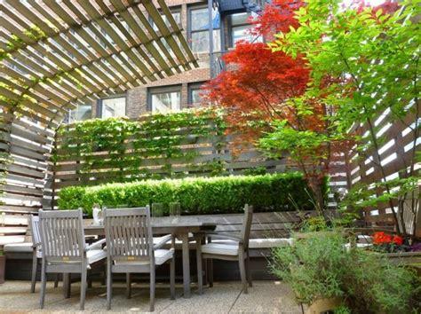 Sichtschutz Dachterrasse Ideen by Dachterrasse Sichtschutz Ideen Kletterpflanzen Holzzaun