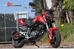 Review 2017 Benelli TnT 125 Tornado Bike Review