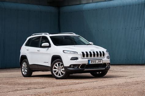 diesel jeep cherokee jeep cherokee gains new 2 2 diesel engine with up to 197hp
