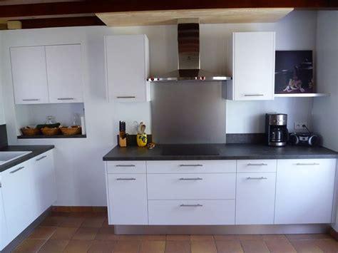 plan de travail cuisine verre pose de cuisine menuisier près de mont de marsan 40