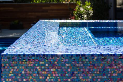iridescent glass tile spa detail modern pool los